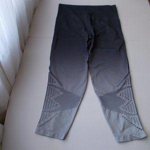 NWOT VS PINK Women's Leggings Ombre Grey L
